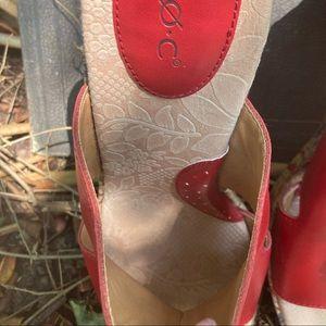 boc Shoes - BOC Red Leather Floral Wedge Platforms Size 8 EUC